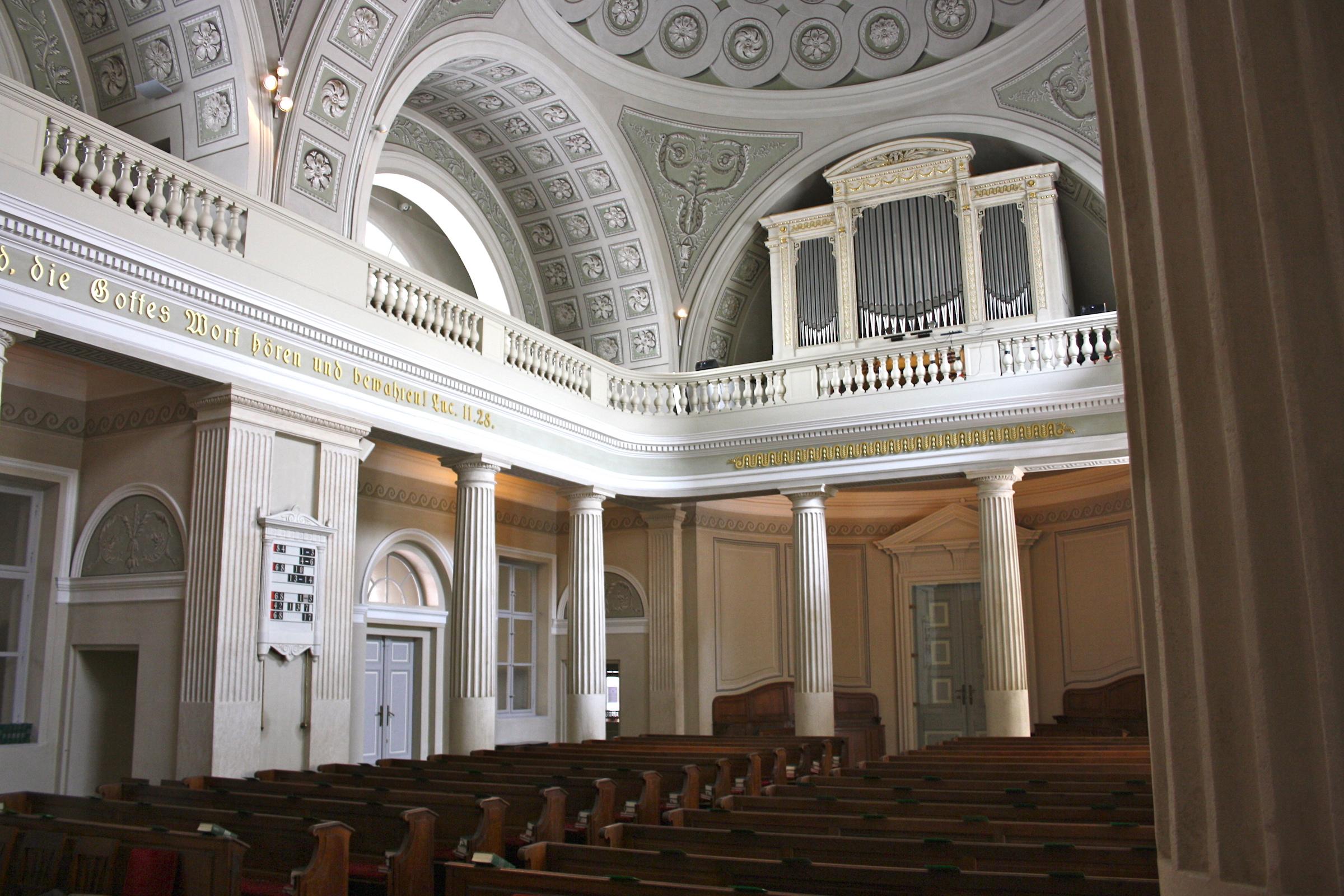 Bildnachweis: Wikimedia (Innenraum Reformierte Stadtkirche)